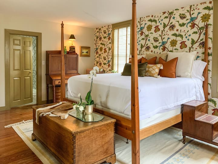 Garden Suite • The Inn at Eagles' Watch