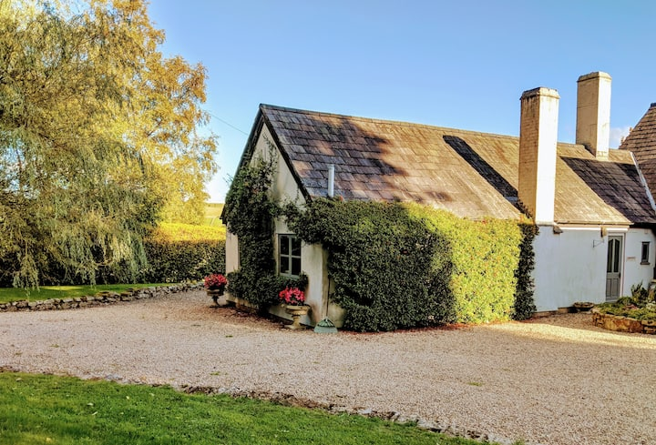 1 bedroom cottage with stunning countryside views
