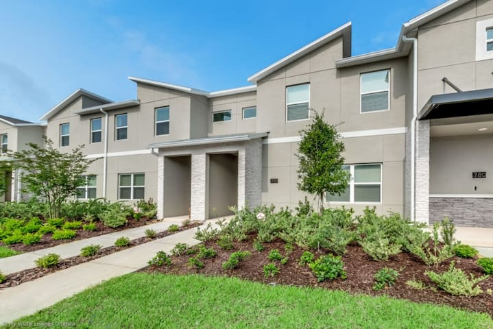Rent a Luxury Townhome on Champions Gate Resort, Minutes from Disney, Orlando Townhome 3200