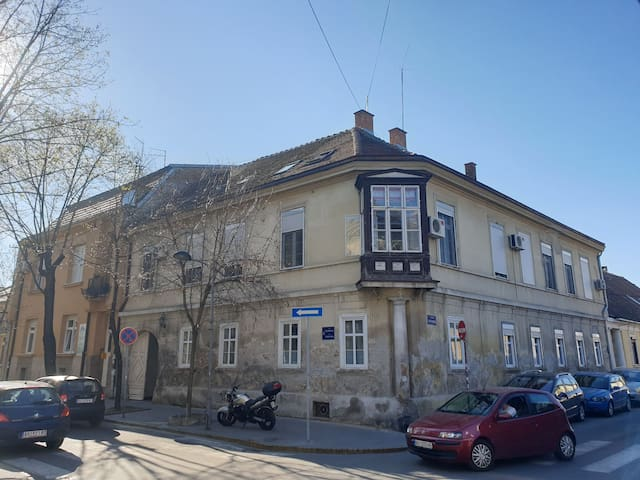 Centre of Zemun, 15 minutes from downtown Belgrade