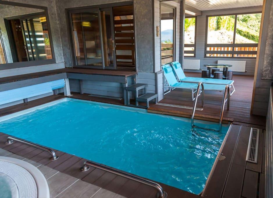 G te regisland jonquille avec piscine groupe 15p villas for Piscine jonquilles