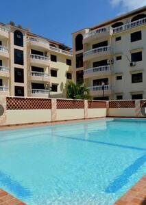 Kizingo 3bedroom, 3bathroom apt with Swimming pool