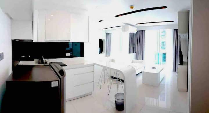 1 bedroom Condo in City Center by Fernweh #IDB724