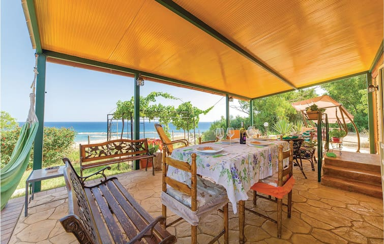 Holiday cottage with 2 bedrooms on 24m² in Menfi AG