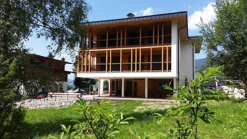Chalet Martina  Apartment LINDA  in den Dolomiten