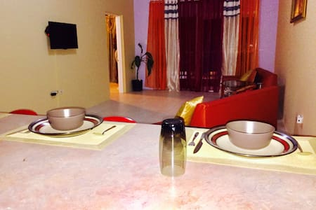 Spring Palm One Bedroom/with Balcony - Tower Isle - Daire