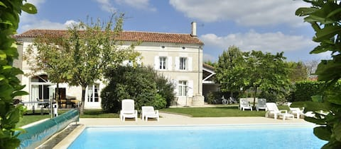 Logis des fins bois Vakantiehuis Merlot zwembad 3*