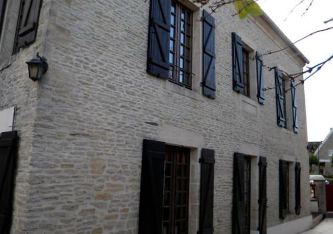 MAISON   PLAGES DU DEBARQUEMENT 110 m2 - Ver-sur-Mer - Dům