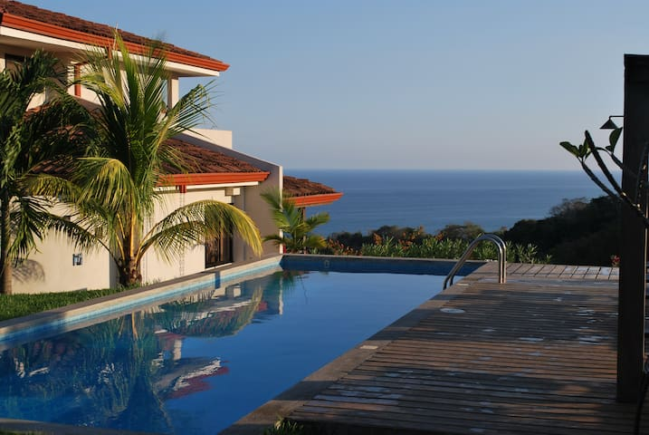 Casa Frangipani - Breathtaking Ocean View!