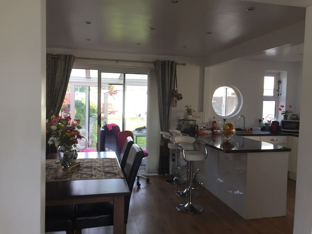 Lovely loft double room - Plymouth - Hus