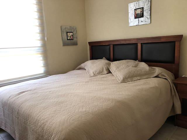 Segundo dormitorio con cama king