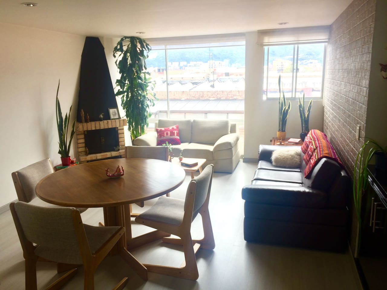 Double room, excellent location in north Bogotá.