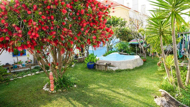 Cozy Double Bed Room in Baleal with Garden