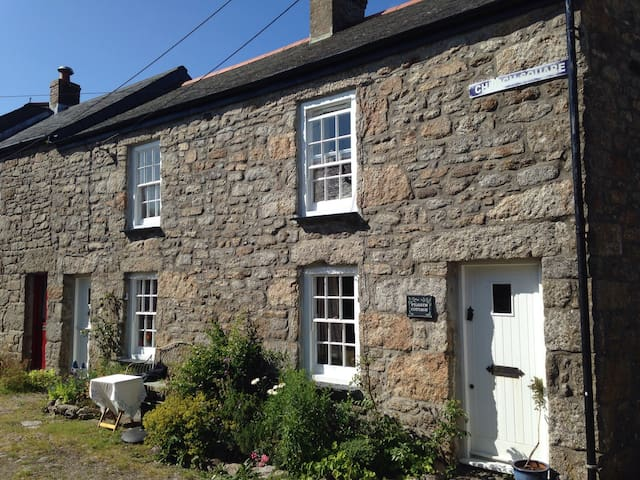 Pilgrim Cottage, St Just
