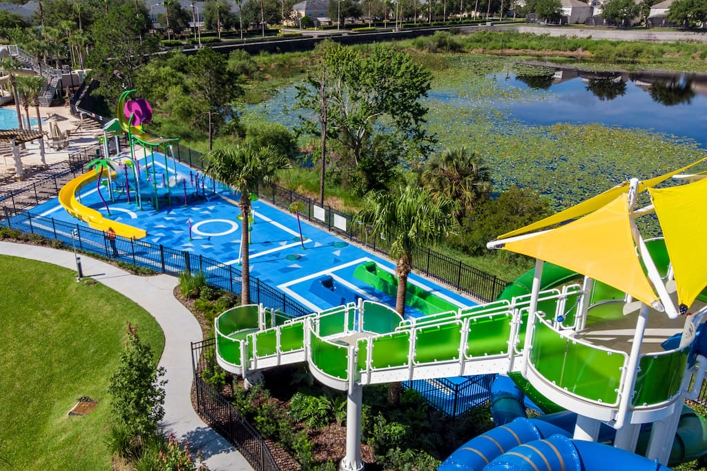 Disney 3b2a windsor hills condo fab pool water pk condominiums for rent in kissimmee florida for Windsor swimming pool with slides