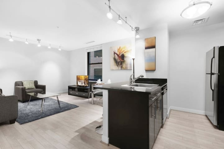 Clean & Spacious 1BR | Work Remote | Downtown DC