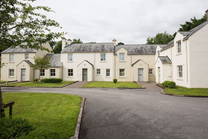 Castle Gardens 3 bed  4053