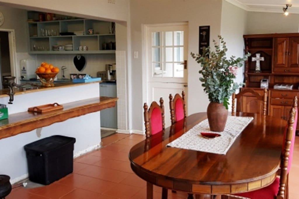 Open plan kitchen with dinning area