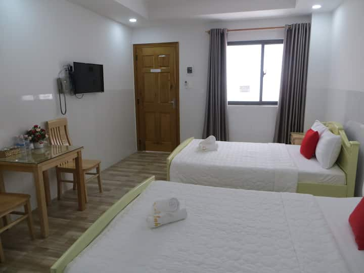 Anh Chien hotel - Deluxe Twin - Nha Trang beach
