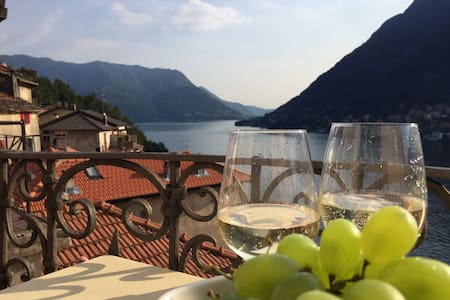 LAKE COMO, LOVE AT FIRST SIGHT, private parking!