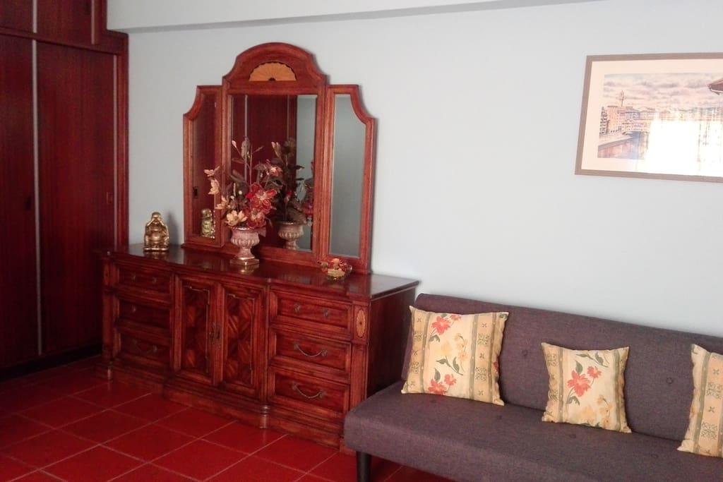 Studio 1 - T/1 Living Room - T/1