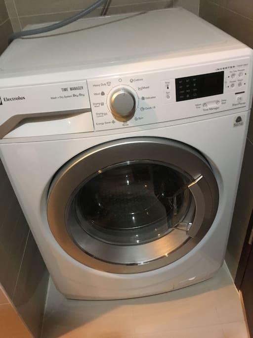 洗濯機。乾燥機付き