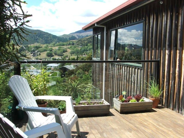 Quiet Sunny Room - Lovely Views - Nelson - Talo