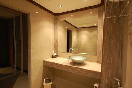 Room 818 @ Chiang Rai Condotel - Twin Beds - Mueang Chiang Rai