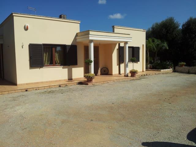 Le Tre Palme Ostuni - San Michele Salentino - Villa