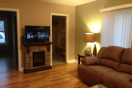 Our little place by the lake - Ski Alpine / Wilmot - Burlington - Casa