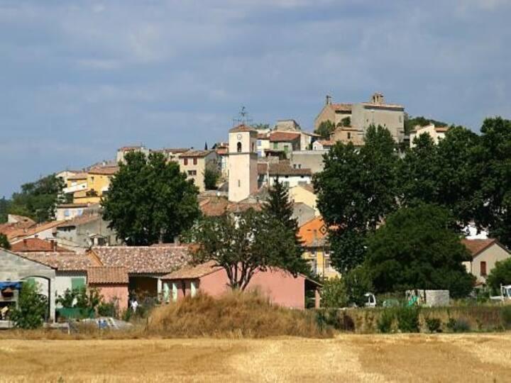 Maison de village atypique à Vinon-sur-Verdon