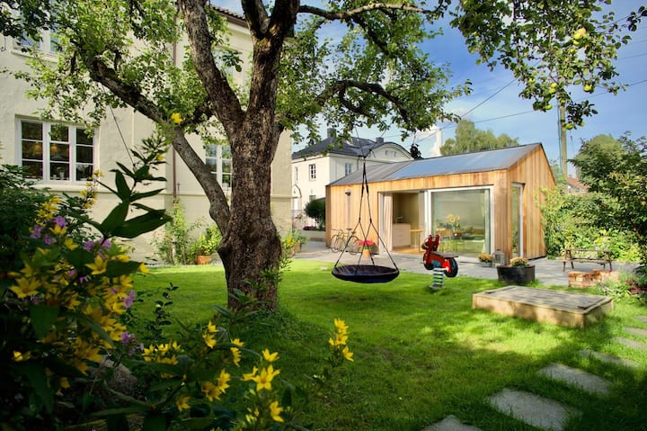 Charming architect designed garden cottage in Oslo