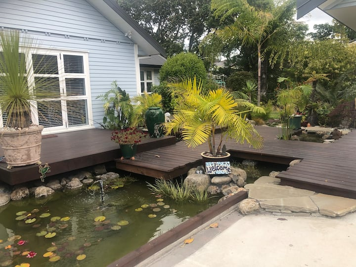 Quiet spot close to beach, shops and amenities.