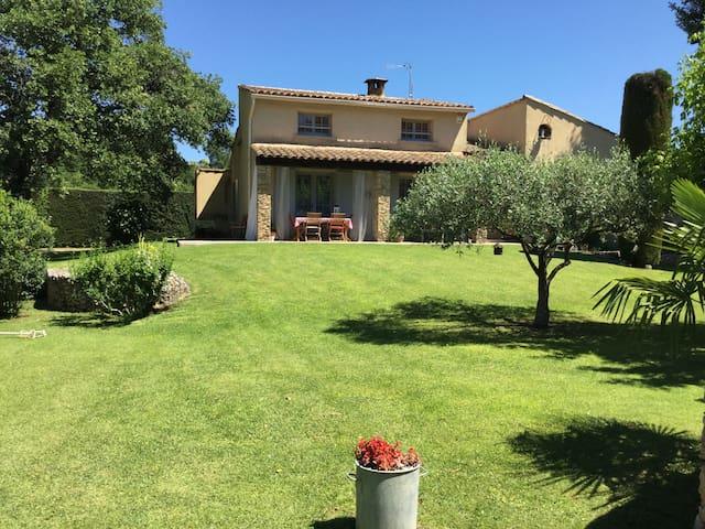 Villa provençale avec piscine - Saint-Quentin-la-Poterie - Huis