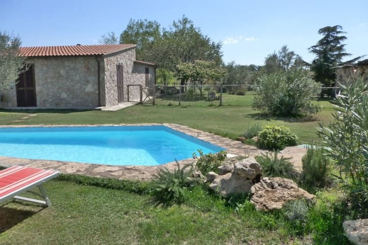 Funghi 1 - Country house with swimming pool in Orcia Valley, Tuscany