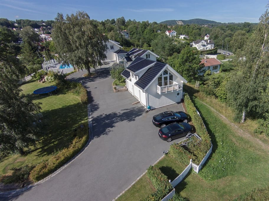 The property, the house in the middle is the one rented out by Airnb