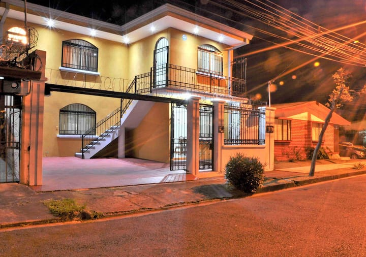 Fully Apt.1 min walk-Barrio Los Sauces Park | 2DB