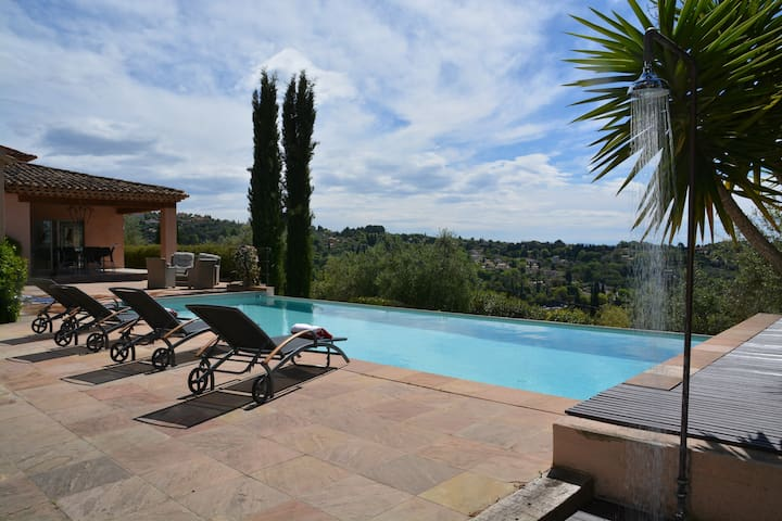 Stunning villa with private pool - Grasse - Villa