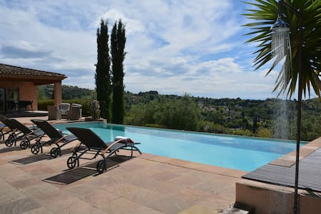 Stunning villa with private pool - Grasse