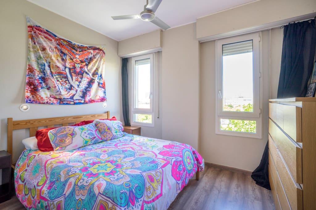Habitaci n en villa ol mpica departamentos en alquiler for Habitacion barcelona