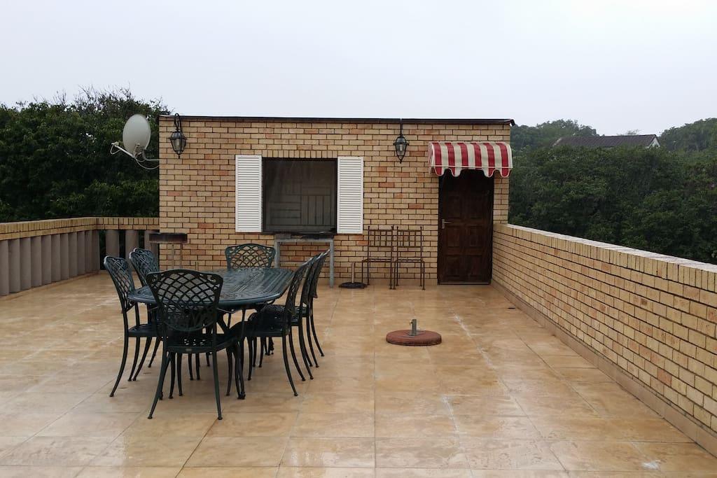 Roof open deck