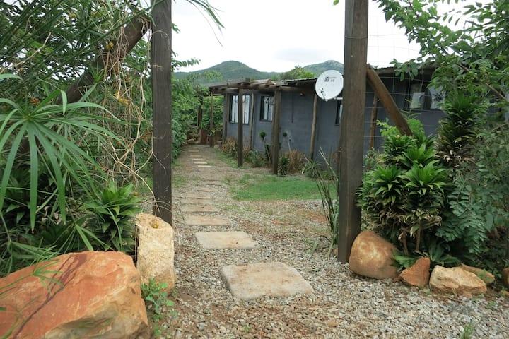 Sitjegu Cottage-Lomah Eco Village