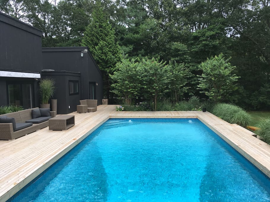 Pool with surround lounge deck
