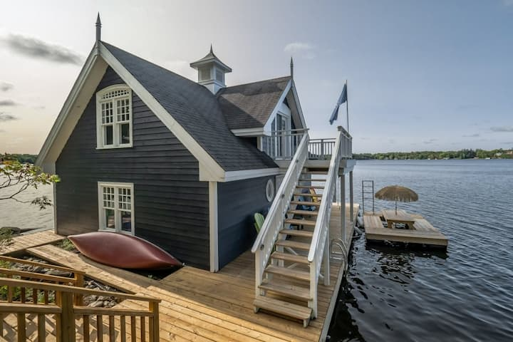 4 Season Muskoka Cottage getaway!!