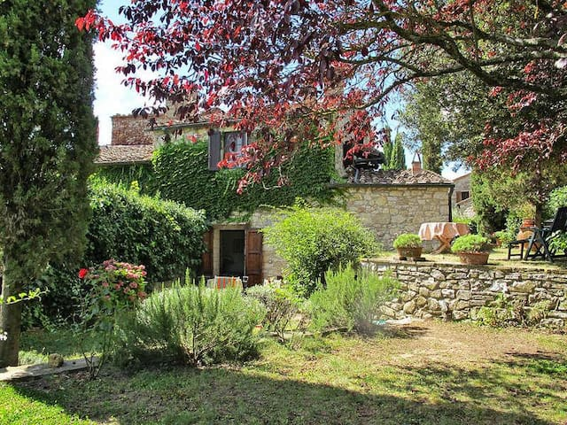 Apartment in a medieval hamlet - Radda in Chianti - Departamento