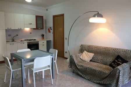 Matteotti House, a 2 km dal mare, trilocale 4 pax - Cecina