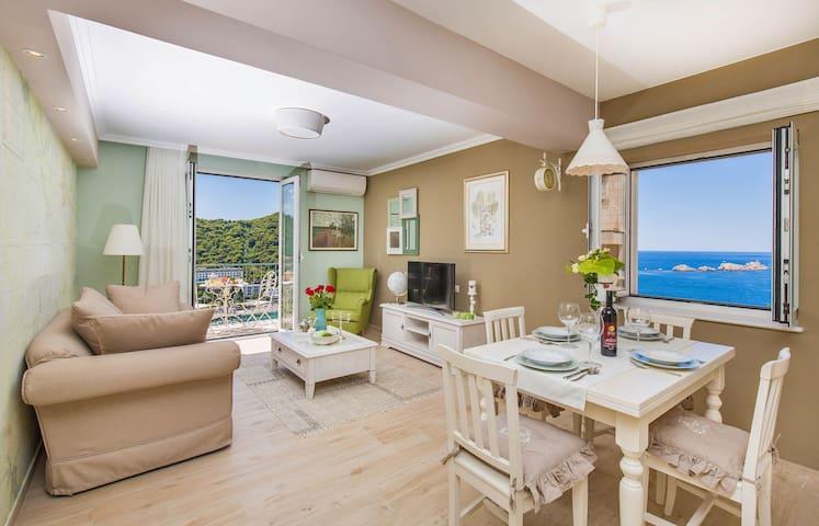 Villa Boban - Apt Royal w sea view, balcony & pool