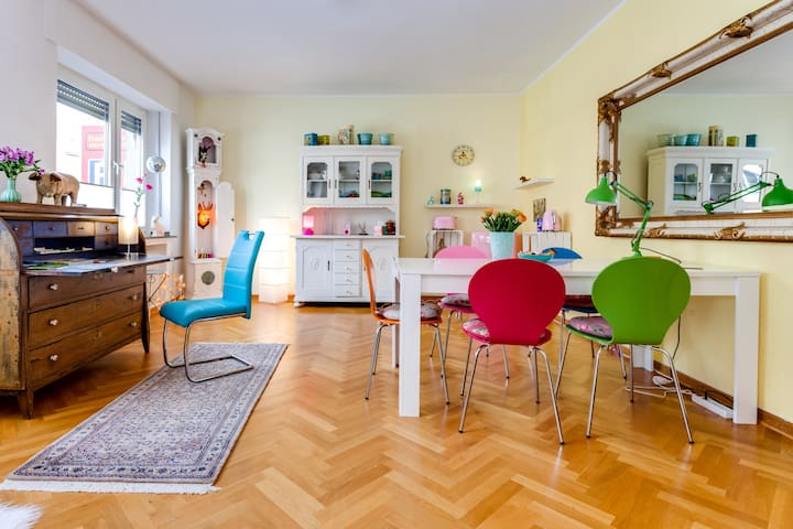 Villa Kunterbunt, zentrale Unterkunft mit Terrasse