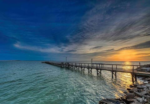 "Private pier, ""Flounder Flats"" Cabin on Copano Bay"