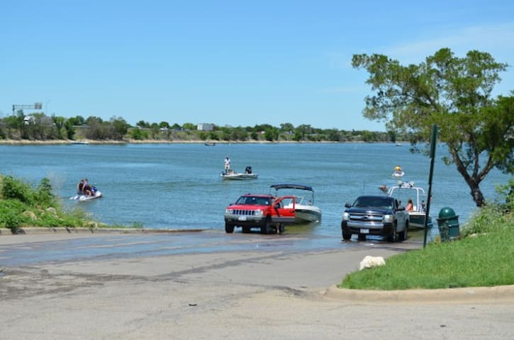 Ray Hubbard Lake is 3 min away with boats and jet ski rentals